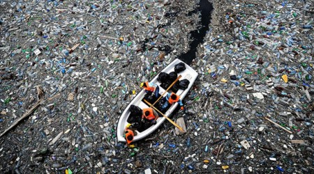 Boat-sea-plastic-krichim
