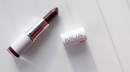 review MUA Wild Berry lipstick matte