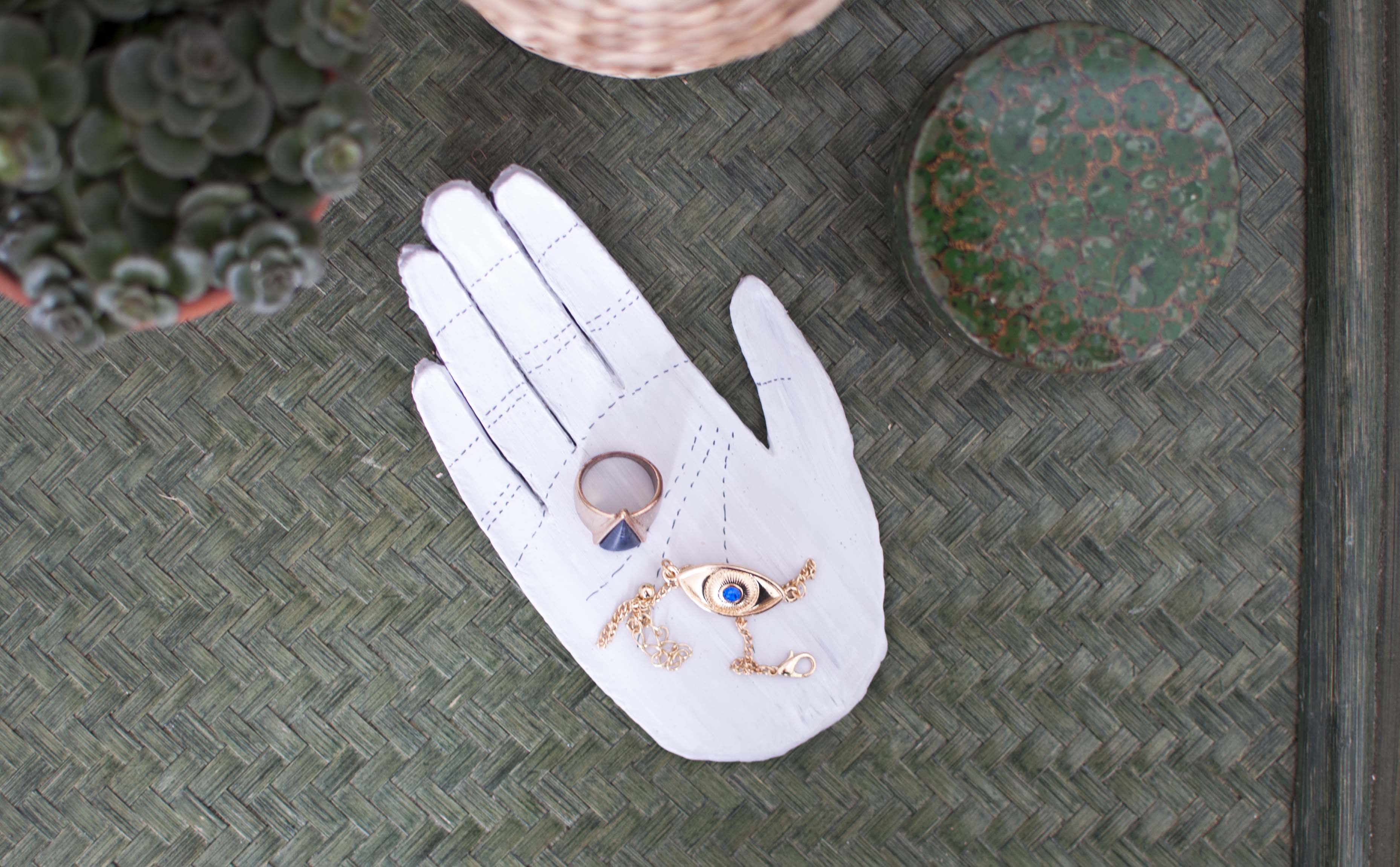 diy clay hand jewelry holder