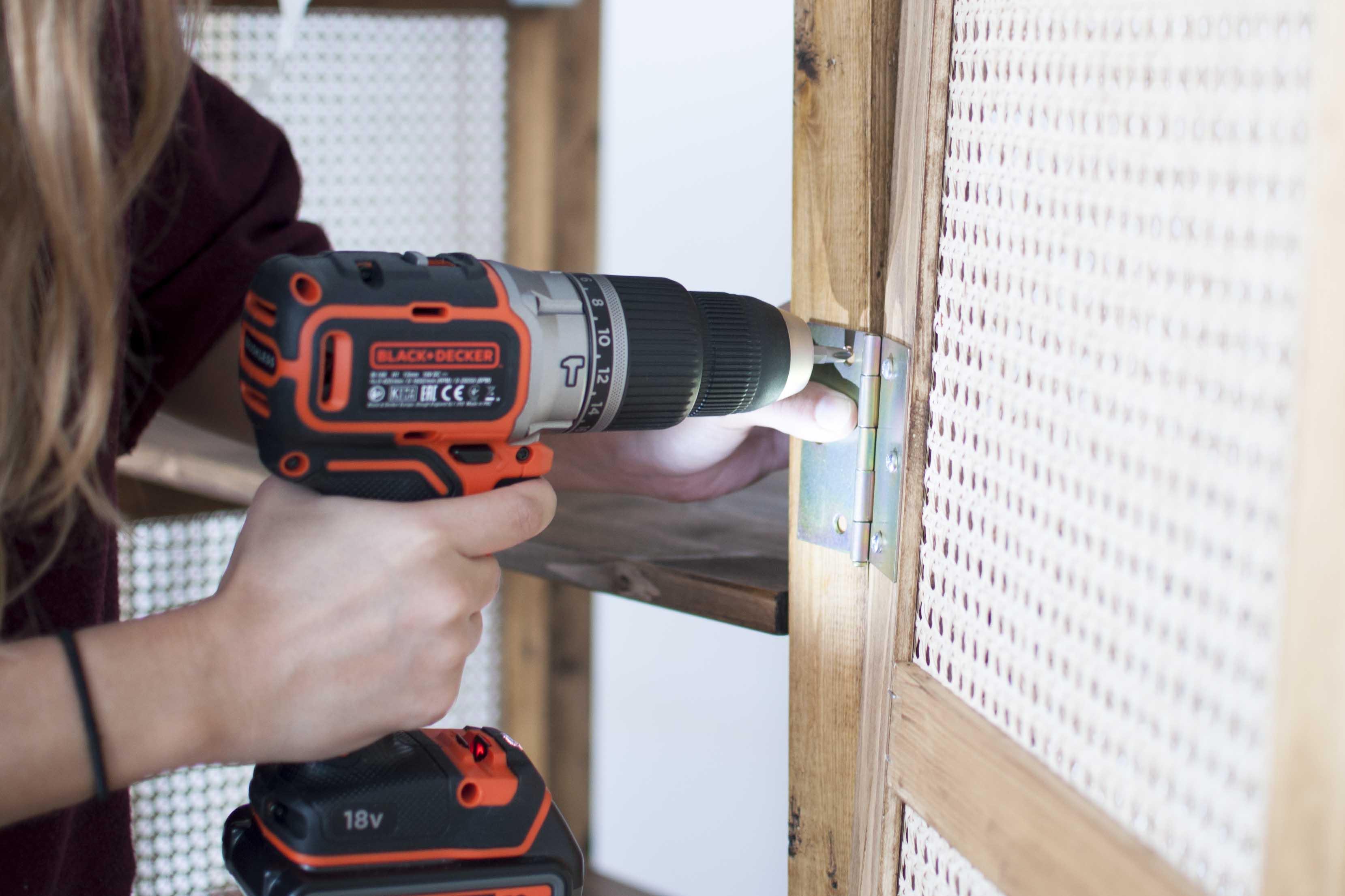 DIY black+decker zelf kast maken rattan webbing
