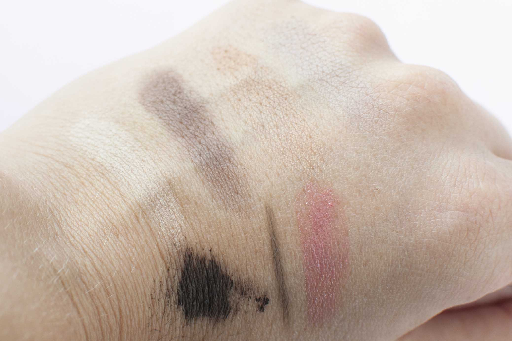 vReview les couleurs de noir natural make-up
